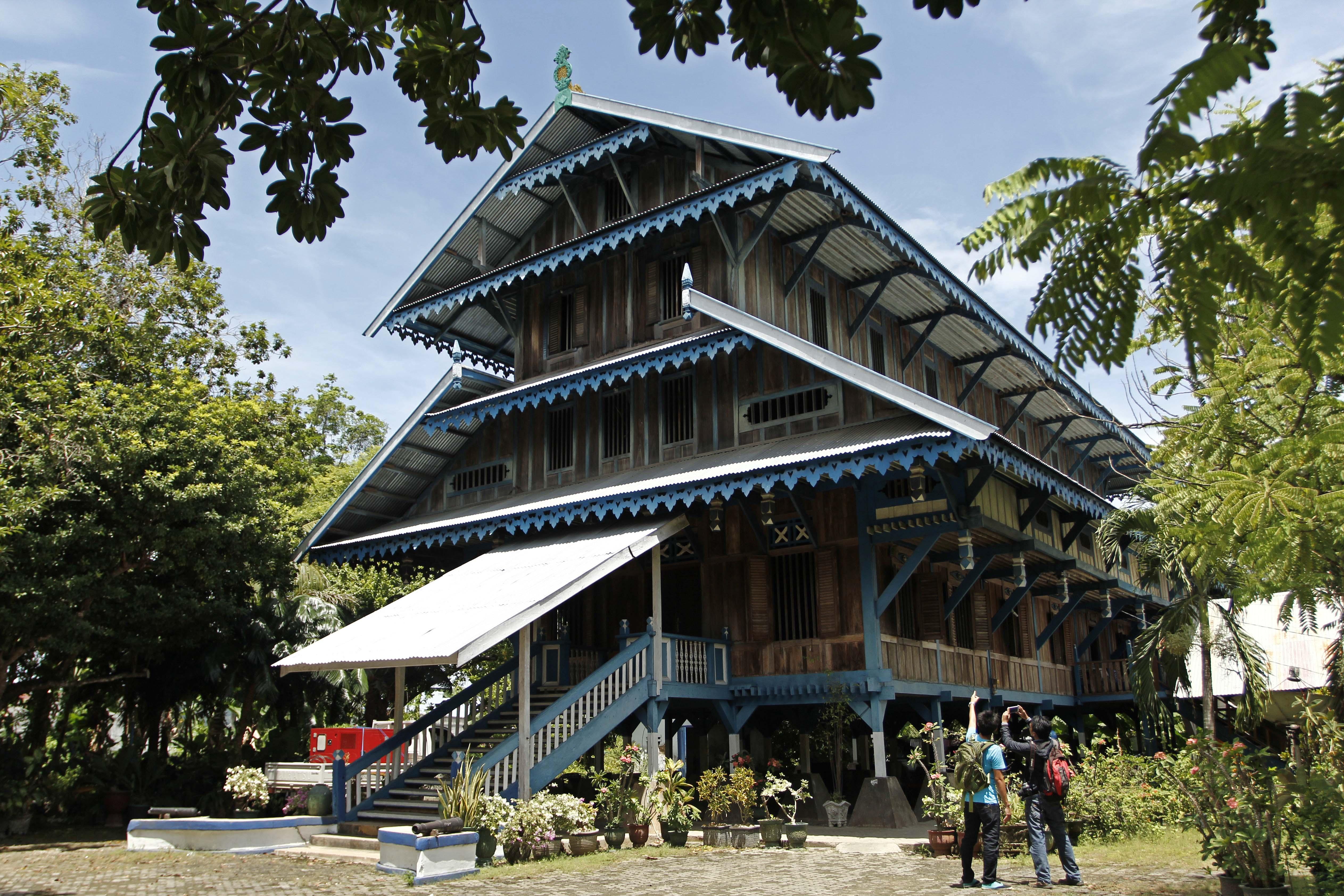 Gambar Rumah Adat Indonesia Keterangan Cerita Center